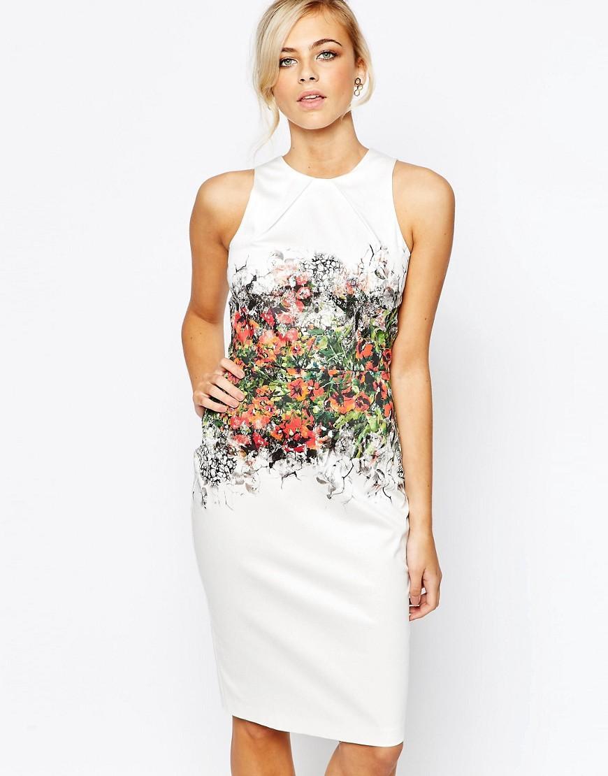Vestido de tubo a la rodilla con estampado floral de tendencia de Closet