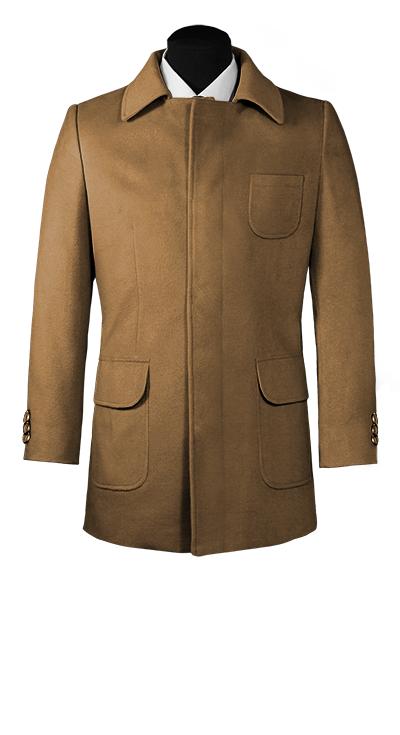 Abrigo marrón con cierre frontal de botones ocultos