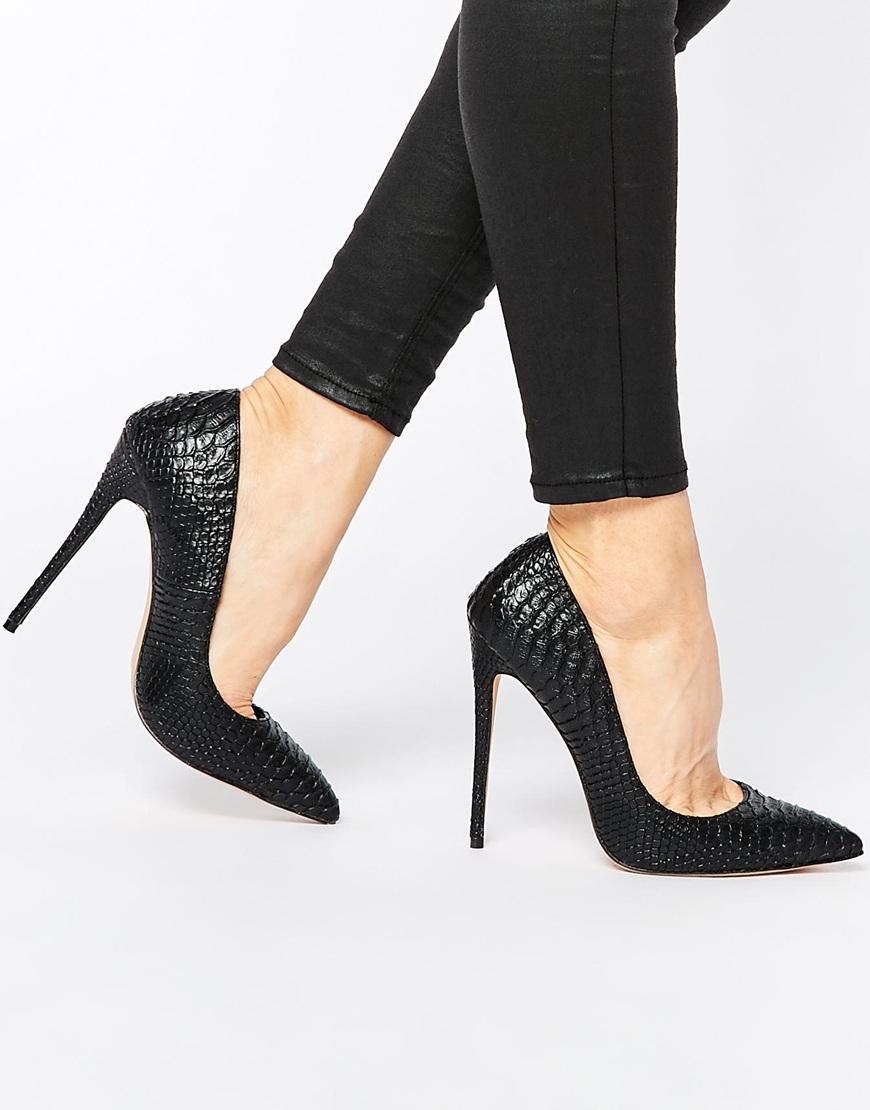 b65cbca63a9 Zapatos de salón negros con efecto piel de serpiente Cerys de Lost ...